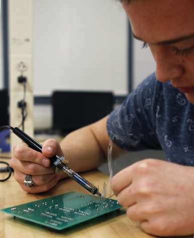 Photo of the Day: Digital Electronics