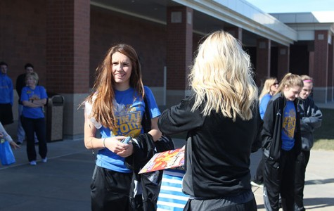 Photo of the Day: Girls Basketball Send Off