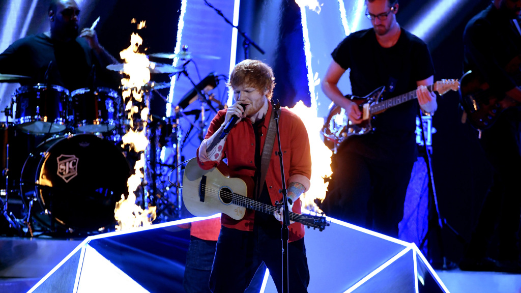 INGLEWOOD, CA - AUGUST 27:  Ed Sheeran performs onstage during the 2017 MTV Video Music Awards at The Forum on August 27, 2017 in Inglewood, California.  (Photo by Kevin Winter/Getty Images)