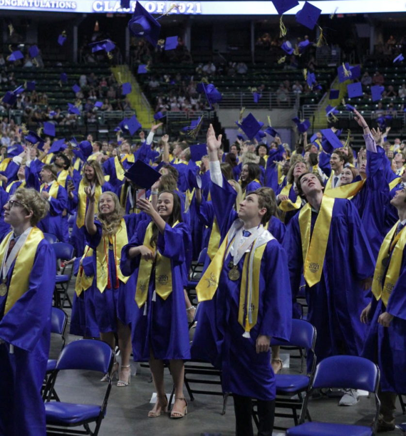 Class of 2021 says farewell to Howell